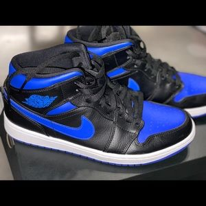 "Jordan 1 mid ""hyper royal"""